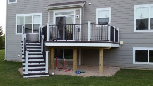 Custom Design Yet Simple One Level Trex Trancend Deck With Aluminum Rail In Elgin Il