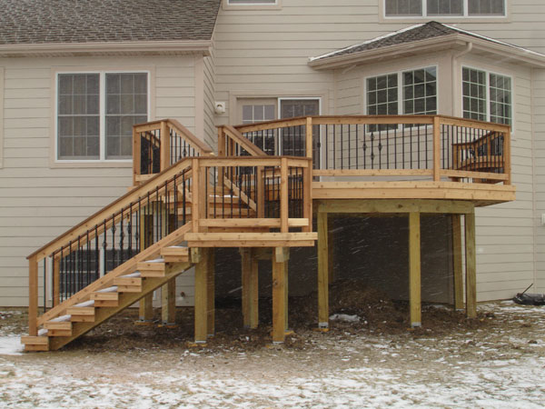 Cedar Deck With Aluminum Balusters