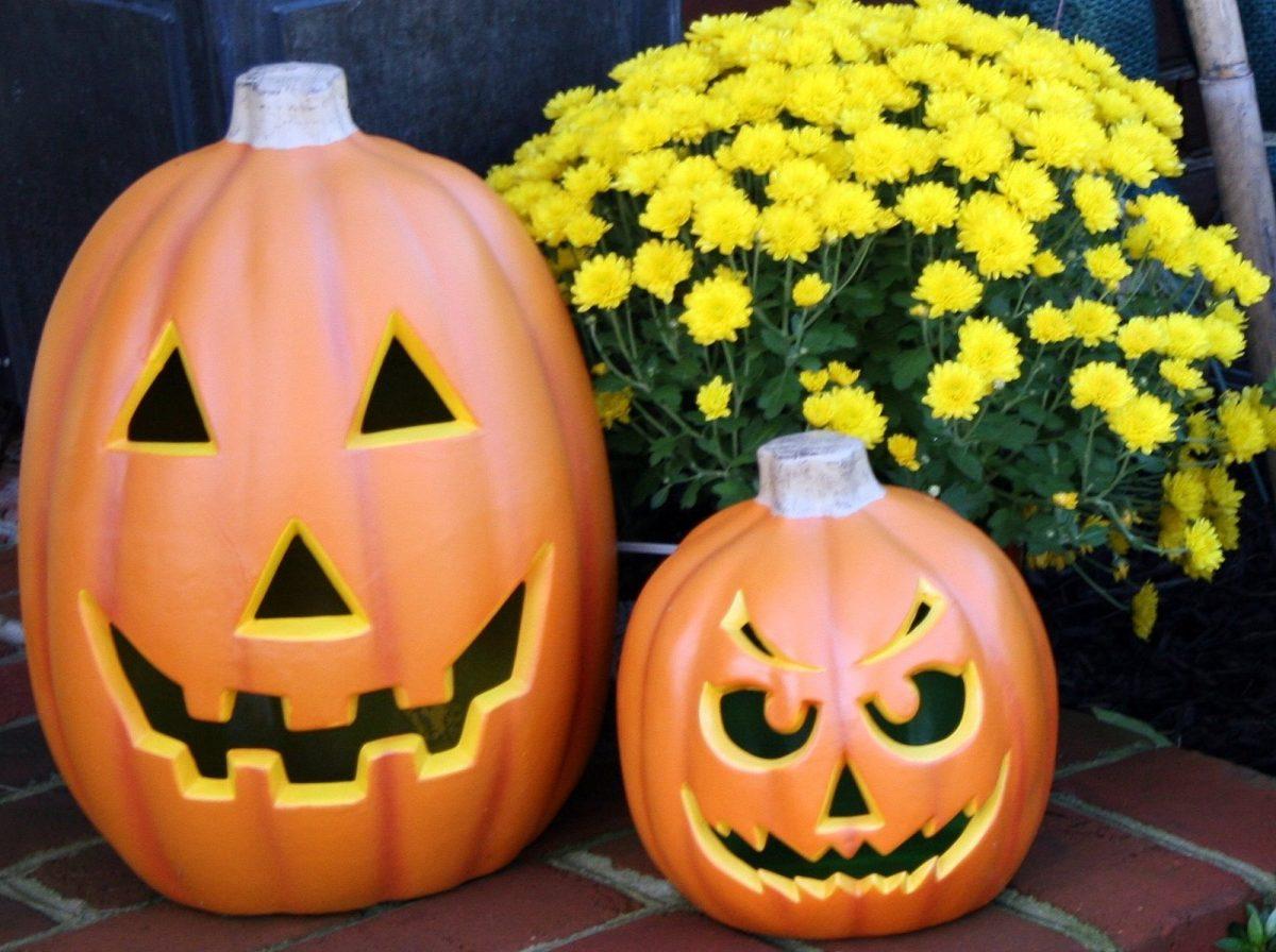 halloween decoration for deck