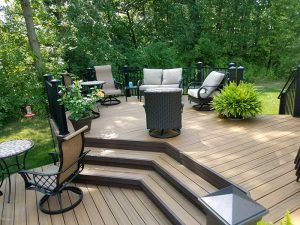 Deck builders in Farmington Hills